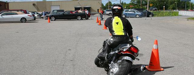 Photo professionnelle prise par Alexandre Poitras – Photographe sportif Nous vous invitons aussi à consulter notre Mémoire, dans lequel des sections se rapporteront au choix d'une école de motocyclette. Avec […]