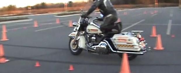 Voici une vidéo sur ce que nous enseignons dans les formations de www.motoprecision.ca . Il est important de se rappeler qu'il est particulièrement plaisant de manipuler sa motocyclette avec dextérité, […]
